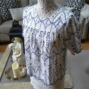 ADORABLE Boho EMBROIDERED TOP Scallop HEM